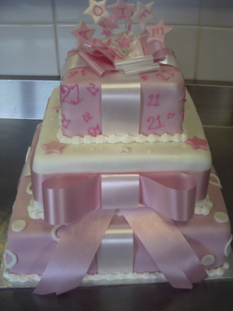 3 Tier Square White Pink Present With Bows